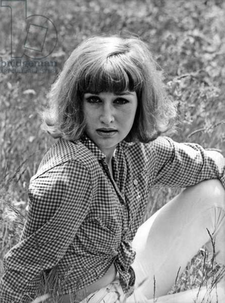 """Claire Knight Names The """"Pocket Venus Of Song"""" Elected Queen Of Lavender August 19, 1965 (b/w photo)"""
