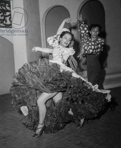 Spanish dancers Teresa and Luisillo in Paris, April 17, 1950 (b/w photo)