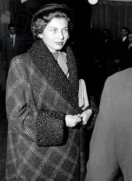 Soraya, Queen of Iran Arriving in Paris, October 13, 1951 (b/w photo)