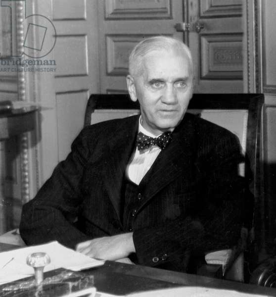 Alexander Fleming (1881-1955) English Bacteriologist Who Discovered In1928 Penicillin (Antibiotics), Nobel Prize In1945, here at Ministry of Health on September 3, 1945 (b/w photo)