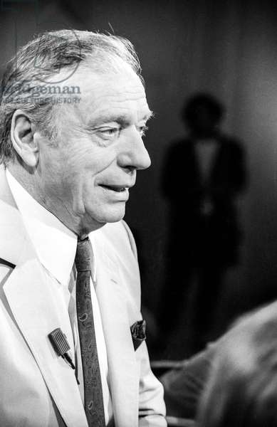 """French actor Yves Montand during tvprogram """"Apostrophes"""" on June 2, 1986 (b/w photo)"""