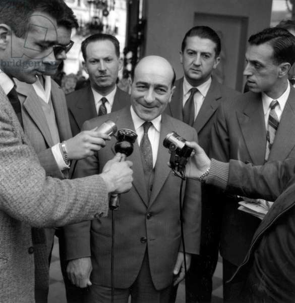 The Ancient Minister For Education and Youth and Sports, Rene Billieres Is Interviewed By The Journalist About his Refusal To Take The Head of The Government, After his Meeting With The President of The Republic Renecoty, in Th Elysee, in Paris, on May 8Th, 1958 (b/w photo)
