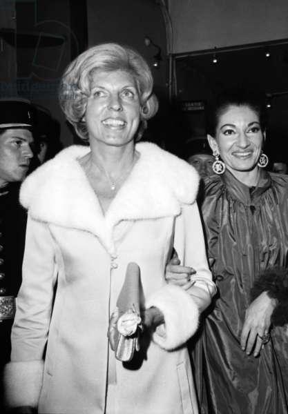 Mrs Claude Pompidou and Maria Callas arriving at gala of artists, Paris, April 24, 1971 (b/w photo)