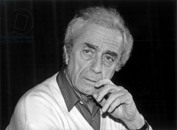Italian Director Michelangelo Antonioni (1912 - 2007) during A Debate at French Film Archive in Paris on March 27, 1985 (b/w photo)