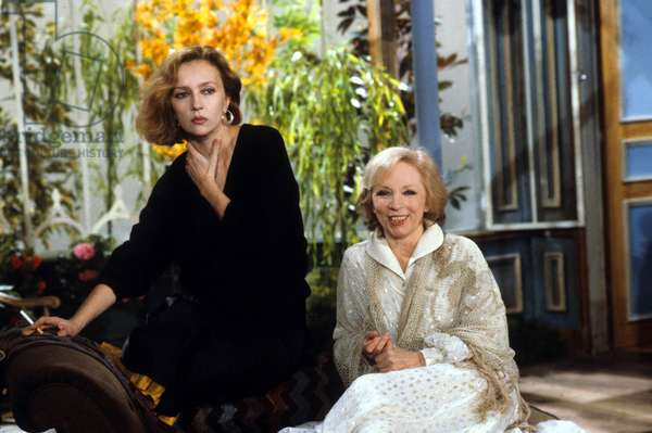 """Le Telefilm """"Le bonheur a Romarantin"""" avec Caroline Cellier et Micheline Boudet en avril 1984 (photo)"""