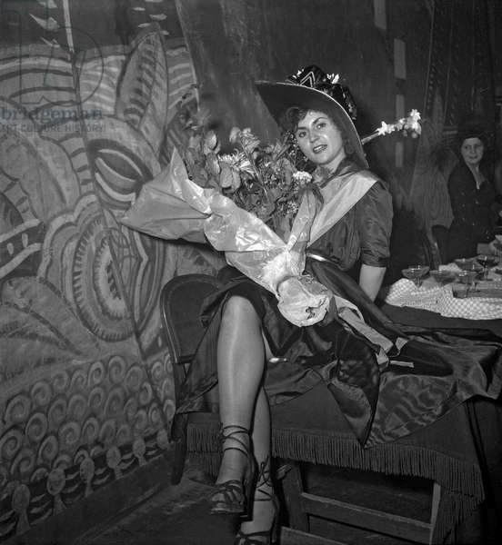 Pierrette Linhard, queen of the Catherinettes, November 1949 (b/w photo)