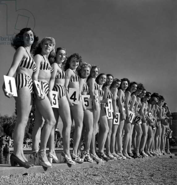 Contest of The Most Beautiful Female Bather (Young Women Wearing Bathing Suit), Paris, June 26, 1948 (b/w photo)