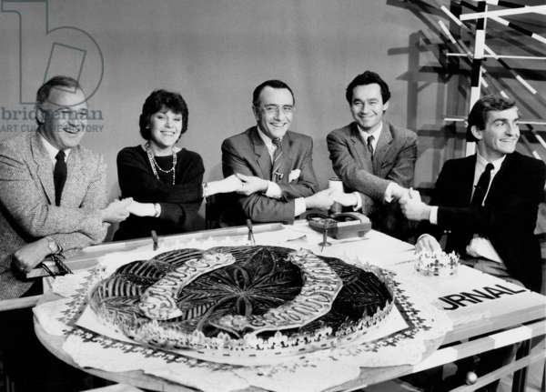 Claude Pierrard, Yves Mourousi, Marie-Laure Augry, Michel Denisot and Jean Pierre Pernaut Fort He 10Th Anniversary of Plateau Program on January 7, 1985 Neg (Cx17525) (b/w photo)
