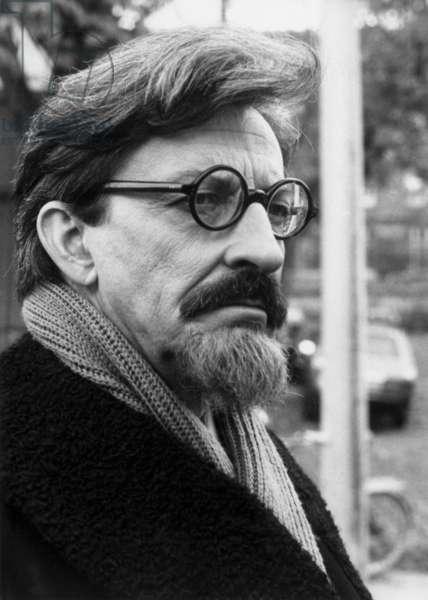 Telefilm Staline Trotsky: Le pouvoir et la revolution de YvesCiampi avec Henri Virlojeux (Virlogeux, Trotski) 1979 (photo)