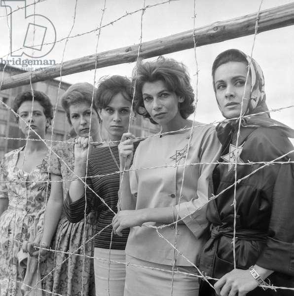 "On set of film ""Pitchipoi"" in Drancy, France, with Elisabeth Foucauld, Caroline Rami, Emmanuelle Raim, Manka Ribowska and Francoise Favier, August 19, 1960 (b/w photo)"