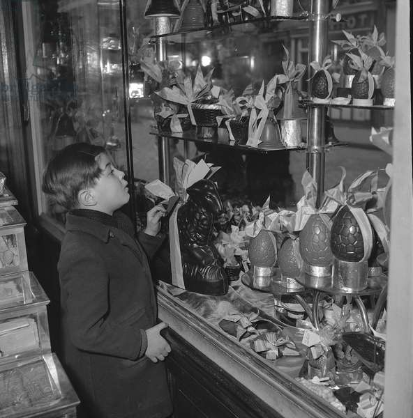 Easter eggs in a window shop, 1952