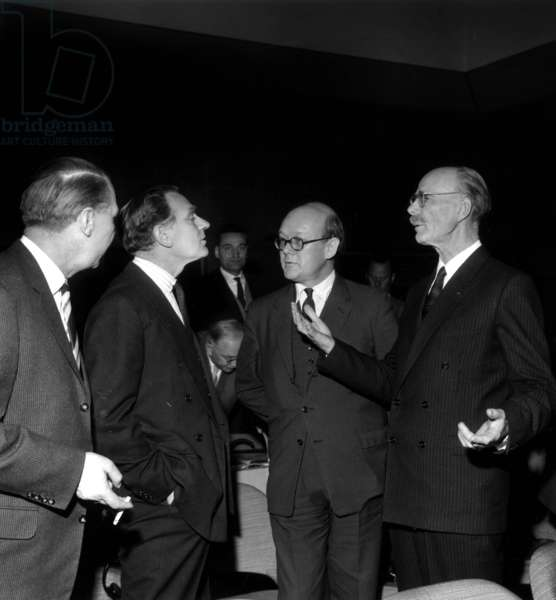 B15219 From Left to Right Mr Voigt, Mr F De Rose, Mr R N Quirk And Pierre Auger March 13, 1961 At the First Session European Preparatory Committee for Space Research (b/w photo)