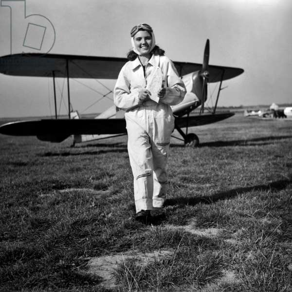 Monique Dupuy, 17 Years Old Student, The Youngest French Pilot, September 22, 1948 (b/w photo)