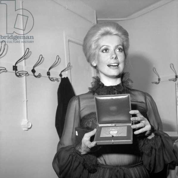 Nuit Du Cinema (Movie Prize Giving) in Paris on November 26, 1971 : Catherine Deneuve (b/w photo)