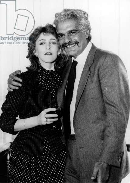 Patricia Hodge et Omar Sharif (b/w photo)