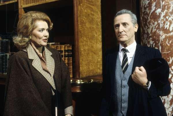 Serie Televisee Les Enquetes Du Commissaire Maigret: Maigret Chez Le Ministre De Louis Grospierre Avec Corinne Marchand, Alain Mottet, Janvier 1987 (photo)
