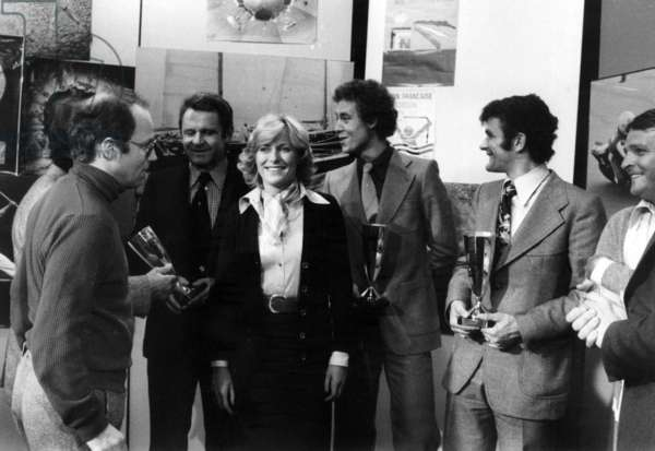 Best Sportsmen of 1975 : French sports commentator Thierry Roland, Pierre Garonnaire (Director of Saint Etienne Football Club), French journalist Jacqueline Alexandre, French athlete Guy Drut, French bicycle racer Bernard Thevenet on December 22, 1975 (b/w photo)