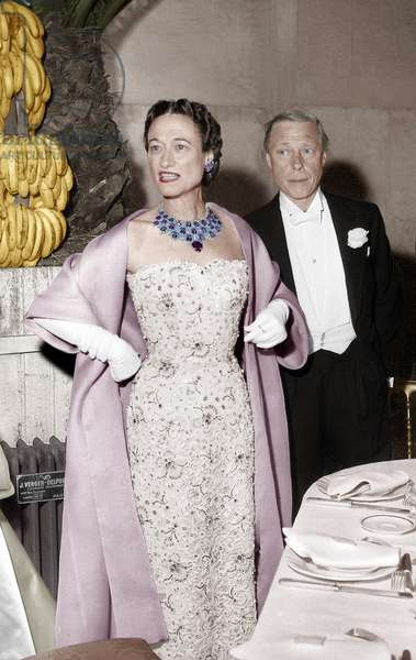The Duke of Windsor and Duchess of Windsor (wearing a necklace By Cartier) at a Ball in Versailles on June 17, 1953 (photo)