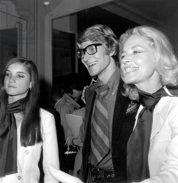 Lauren Bacall, Yves Saint-Laurent and Leslie, Daughter of Lauren July 31, 1968 at Yves Saint-Laurent'S (b/w photo)