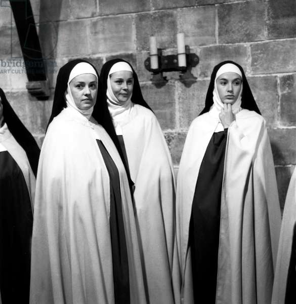 Le Dialogue Des Carmelites, French-Italian film directed by Raymond Bruckberger and Philippe Agostini with Jeanne Moreau, Anne Doat and Alida Valli, 1960 (b/w photo)