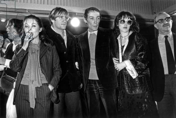 Marie-France Pisier, Gerard Depardieu, Andre Techine Et Isabelle Adjani For Closing of Paris Cinema Festival November 22, 1976 (b/w photo)