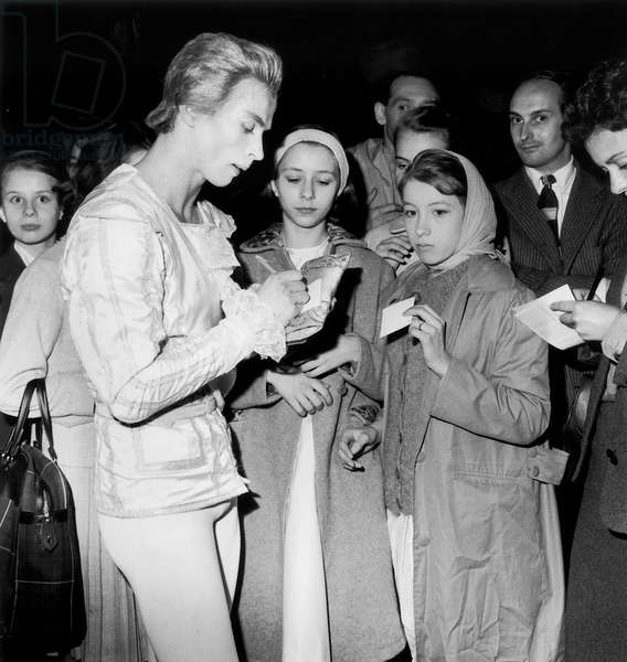 Rudolf Noureev Signing Autographs, May 16, 1961 (b/w photo)