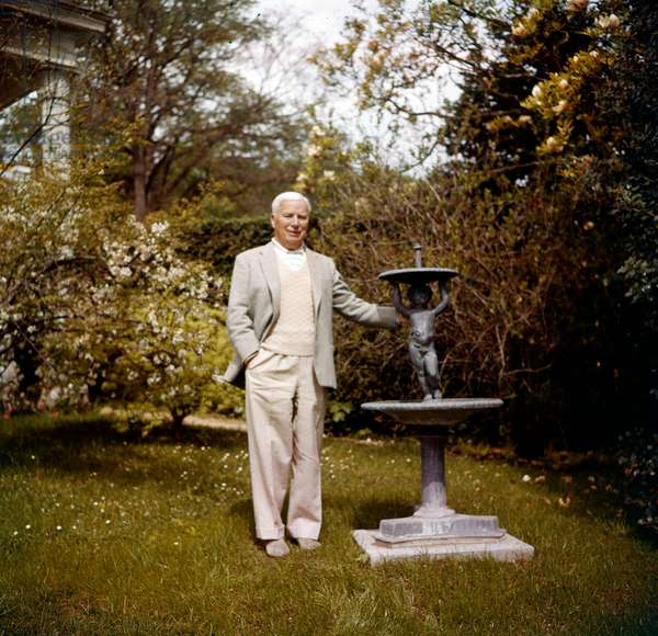 Charles Chaplin in his garden in Lausanne april 16, 1966 (photo)
