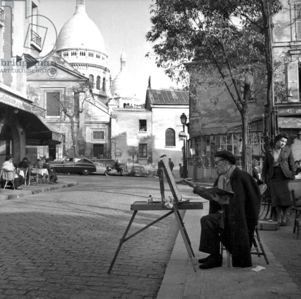Maurice Utrillo (1883-1955) Painting in Montmartre in Paris (b/w photo)