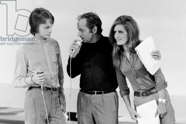 """Claude Francois, Guy Lux and Dalida during TV Programme """"Si Ca Vous Chante"""" January 8, 1968 (b/w photo)"""
