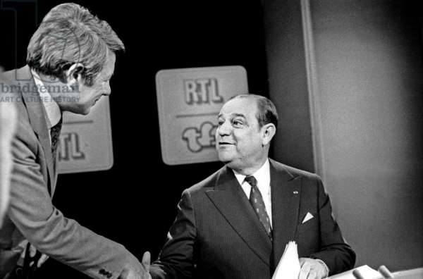 Roger Gicquel Shaking Raymond Barre's Hand Before Tf1 Et Rtl Special Issue May 23, 1979 Neg: Cx1167 (b/w photo)