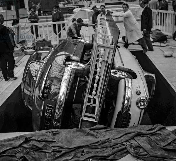 "Preparation for Paris motor show at the ""Grand Palais"", Paris, October 3, 1960 : 2 Panhard cars (Dyna PL-17) (b/w photo)"
