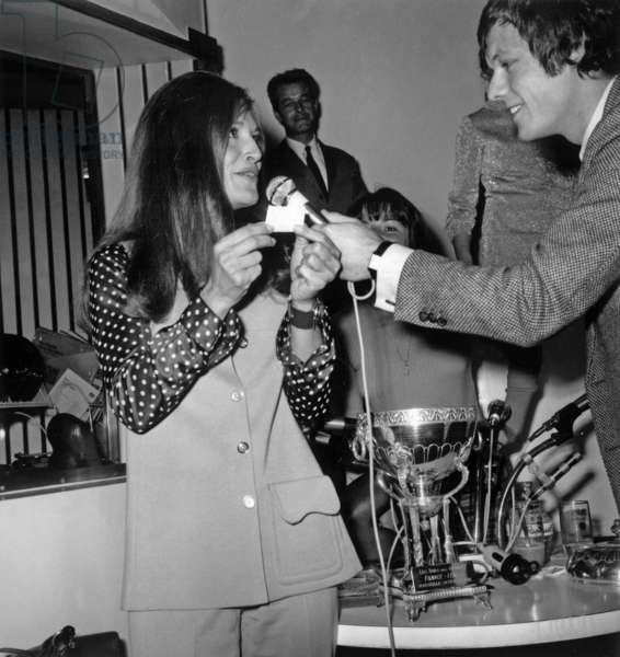 """Singer Dalida during Drawn For Semifinal of Football Cup during Radio Program """"Rtl Non Stop"""" With Presenter Fabrice April 11, 1969 (b/w photo)"""