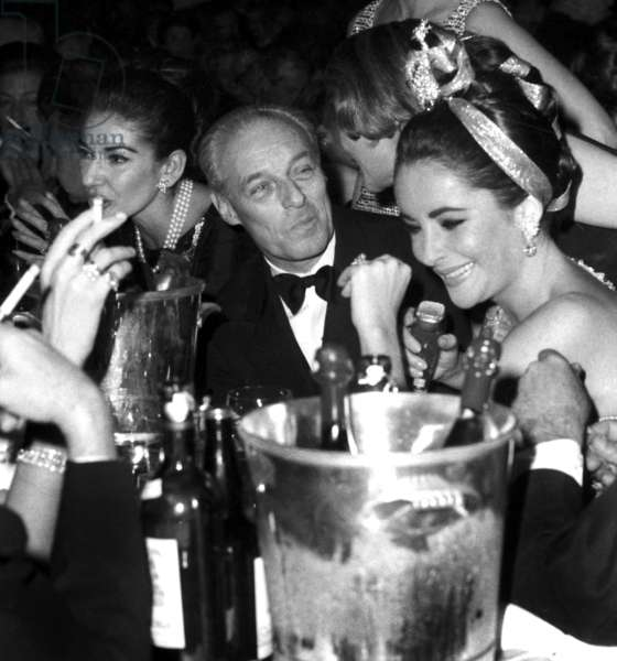 Soprano Maria Callas For her Birthday at The Lido in Paris With Guy De Rotschild and Liz Taylor on December 2, 1964 (b/w photo)