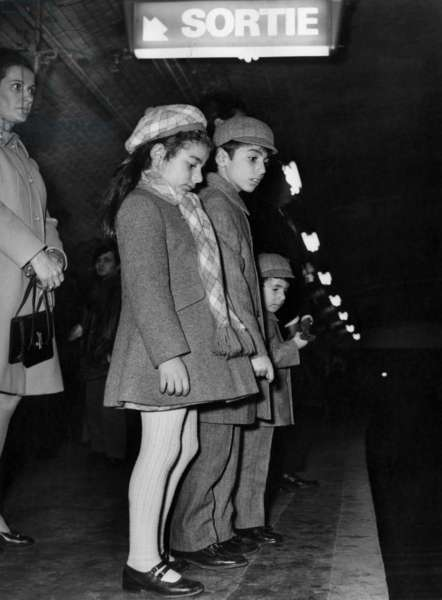 Princes of Iran Farahnaz Pahlavi and Brothers : Prince Reza Cyrus Pahlavi Ii and Prince Ali Reza (Children of Farahdiba Et Du Shahmohammedrezapahlavi) on Teh Subway in Paris February 15, 1970 (b/w photo)