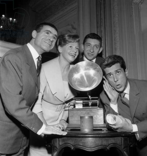 Winners of Charles Cros Academy Prize : Jacques Dufilho, Denise Benoit, Serge Gainsbourg and Marcel Amont, March 14, 1959 (b/w photo)