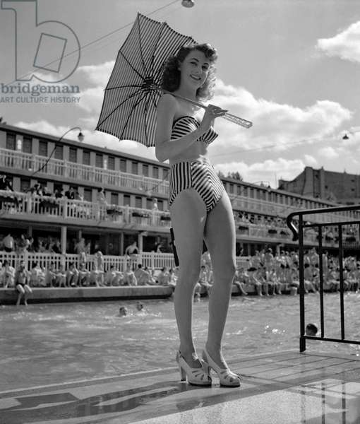Bikini Reard (b/w photo)