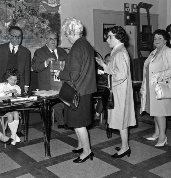 Presidential Elections 2Nd Turn : Voters in The Polling Station of The 18Th Arrondissement of Paris June 15, 1969 (Georges Pompidou Will Be Elected President) (b/w photo)