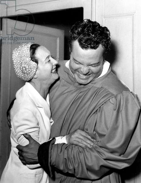 Arletty and Orson Welles on June 19, 1950 (b/w photo)