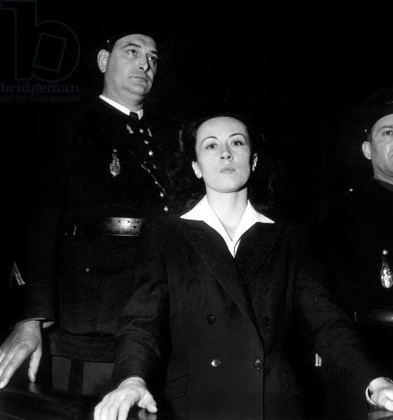 Trial of Pauline Dubuisson Who Killed her Former Lover Felix Bailly Who Was To Marry Someone Else in 1951 here during Trial November 1953 Sentenced To Life Hard Labour in 1953 Released in 1959 She Committed Suicide in 1963 (b/w photo)