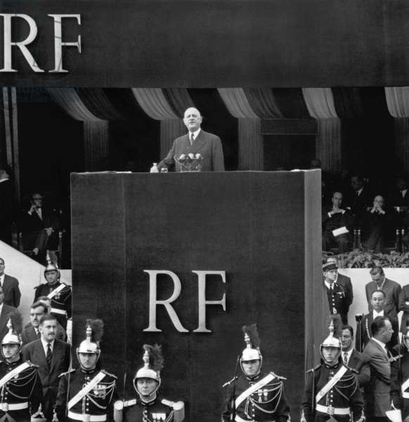 Speech of French President About The Constitution De La 5E Republic , in Paris September 04, 1958 (b/w photo)