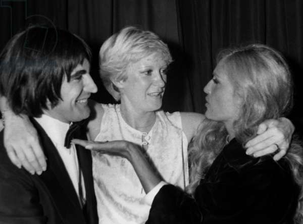 Serge Lama Et Dalida Felicitent Alice Dona Dans Sa Loge De L'Olympia Le 21 Septembre 1979 --- Serge Lama and Dalida Congratulating Alice Dona in her Dressing Room at The Olympia in Paris on September 21, 1979 (b/w photo)