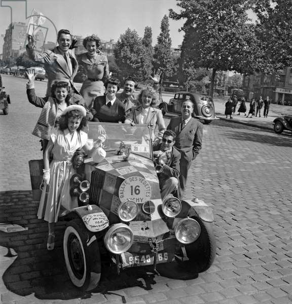Paris Vichy rally for celebrities, June 17, 1949 : the departure in Paris (b/w photo)