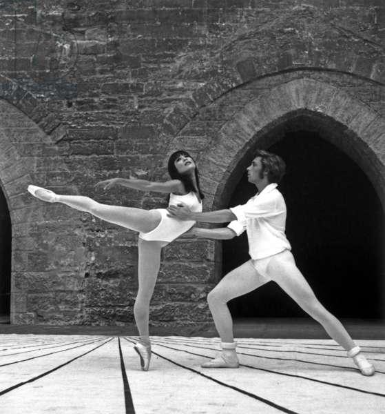 "Avignon Festival : Ballet ""Romeo and Juliet"" By Maurice Bejart : Dancers : Jorge Donn and Lanna Proenca July 30, 1967 (b/w photo)"