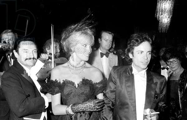 Amanda Lear and her Husband Alain Philippe Malagnac D'Argens De Villele at The Cabaret Le Paradis Latin in Paris, September 22, 1981 (b/w photo)