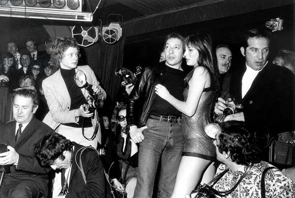 Serge Gainsbourg and Jane Birkin during Midem in Cannes Ono January 24, 1972 (b/w photo)