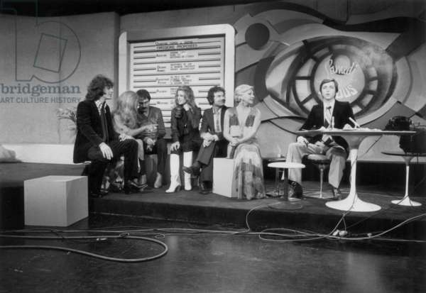 L-R : Gerard Lenorman, Dalida, Sheila, Pierre Perret, Line Renaud and Bernard Golay For The Last of TV Programme October 18, 1976 (b/w photo)