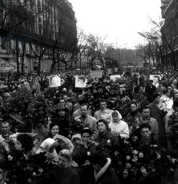 Procession of 200.000 People during The Funerals of The 8 Victims of The Anti-Oas Demonstration in Paris February 08, 1962 at The Time of The War in Algeria) February 13, 1962 (b/w photo)