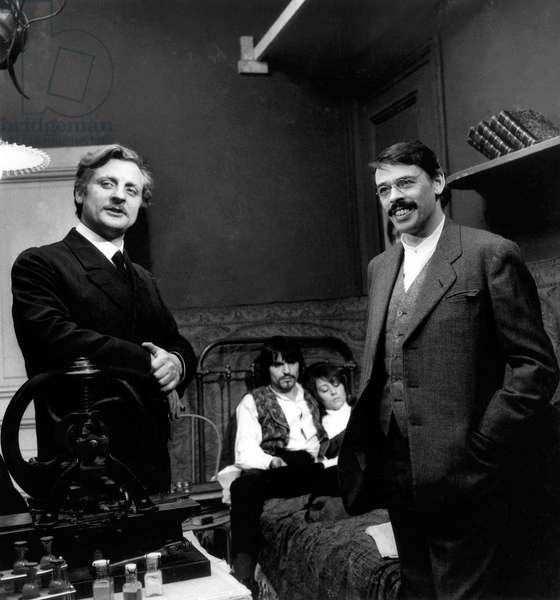 La Bande A Bonnot Avec Bruno Cremer Et Jacques Brel (1Er Plan) Et Jean Pierre Kalfon Et Annie Girardot (2E Plan) Le 23 Fevrier 1967 Neg:C87791 (b/w photo)
