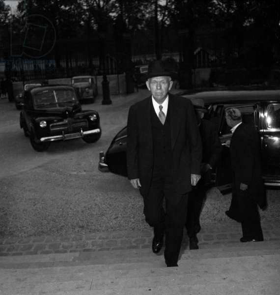 George Marshall Arriving at Quai D' Orsay in Paris September 20, 1948 at The Time of Marshall Plan , American Economic Aid To Europe (b/w photo)