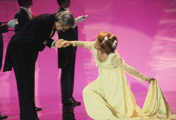 "Omar Sharif and Dalida during TV Programme ""Numero Un"" 1979 (photo)"